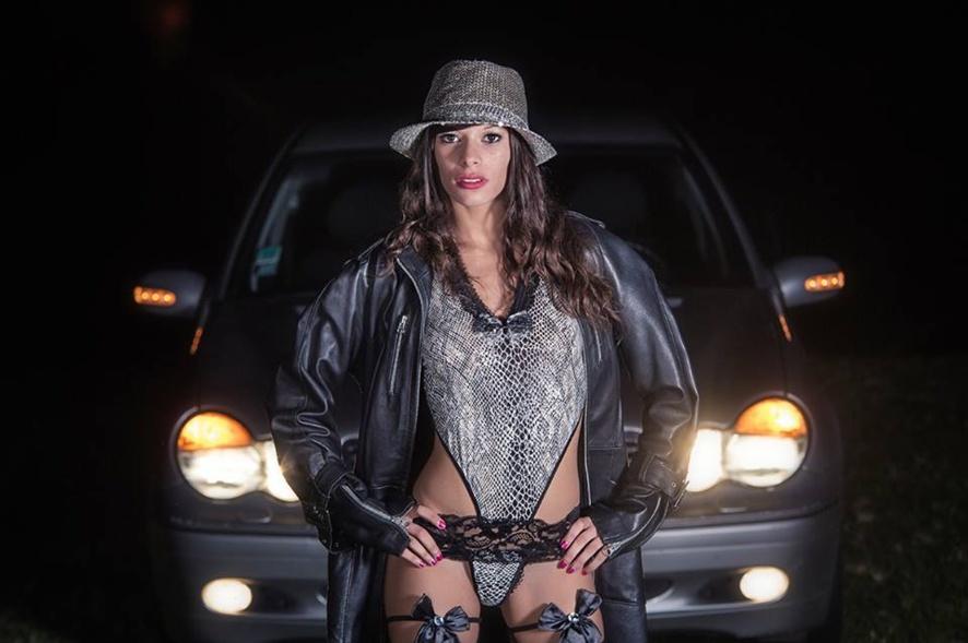 Shooting nocturne avec Maeva By Thomas RICCI