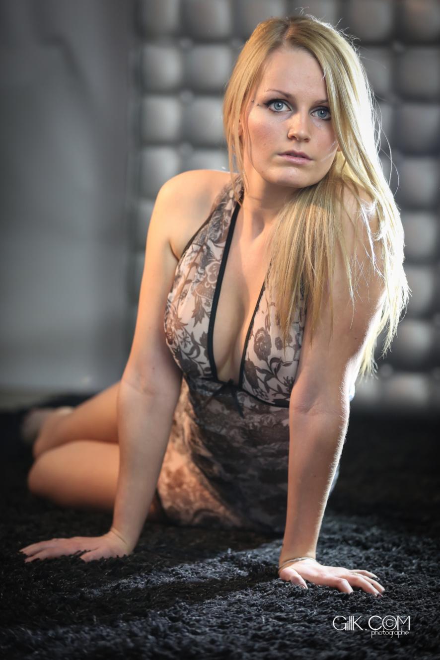 Mélissa pose pour GLC by Gillkphotography